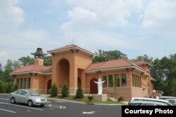 Nhà thờ Giáo xứ Các Thánh Tử Đạo Việt Nam ở Arlington, Virgina, là nơi tập trung đông đảo giáo dân Việt (Ảnh: Giang Tran).