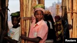 Abagore b'abanyarwanda bariko baracuruza ibidandazwa