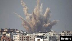 Pesawat-pesawat tempur Israel kembali melakukan serangan udara di Gaza hari Senin (25/8).