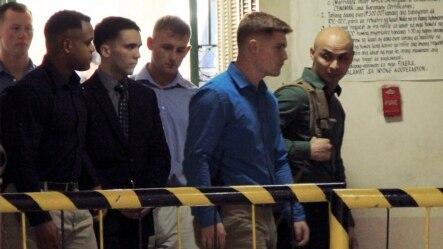 Hạ sĩ Joseph Scott Pemberton (thứ ba từ bên trái) bị tuyên án 12 năm tù.