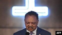 Le révérend Jesse Jackson a célébré la vie de la chanteuse Aretha Franklin à l'église de son père, New Bethel Baptist, lors d'un service le dimanche matin à Detroit, au Michigan, le 19 août 2018.