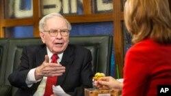 El presidente y director general del conglomerado Berkshire Hathaway dice que lo único de lo que no hablará en el almuerzo es de su próxima inversión.