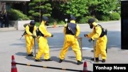 미한 군 당국은 오는 7∼9일 한국국방연구원에서 연례 생물방어연습을 실시한다고 3일 밝혔다. 사진은 지난해 미한 생물방어연습.