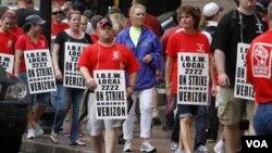 Los trabajadores aceptaron volver a sus puestos mientras prosiguen las negociaciones sobre los términos de un nuevo contrato.