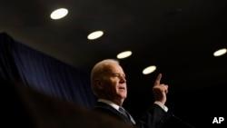 El vicepresidente Joe Biden fue directo con sus colegas demócratas a quienes pidió más optimismo de cara a las próximas elecciones.