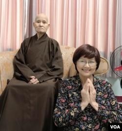 Kim Chi thăm vấn an Đức Đệ Ngũ Tăng Thống Thích Quảng Độ.