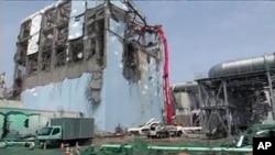 受损严重的日本福岛核电站