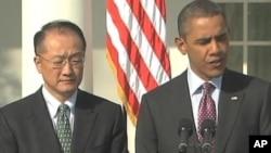 奧巴馬提名金勇(左)出任世行行長。