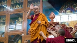 Teachings Begin at Gyudmey Dalai Lama