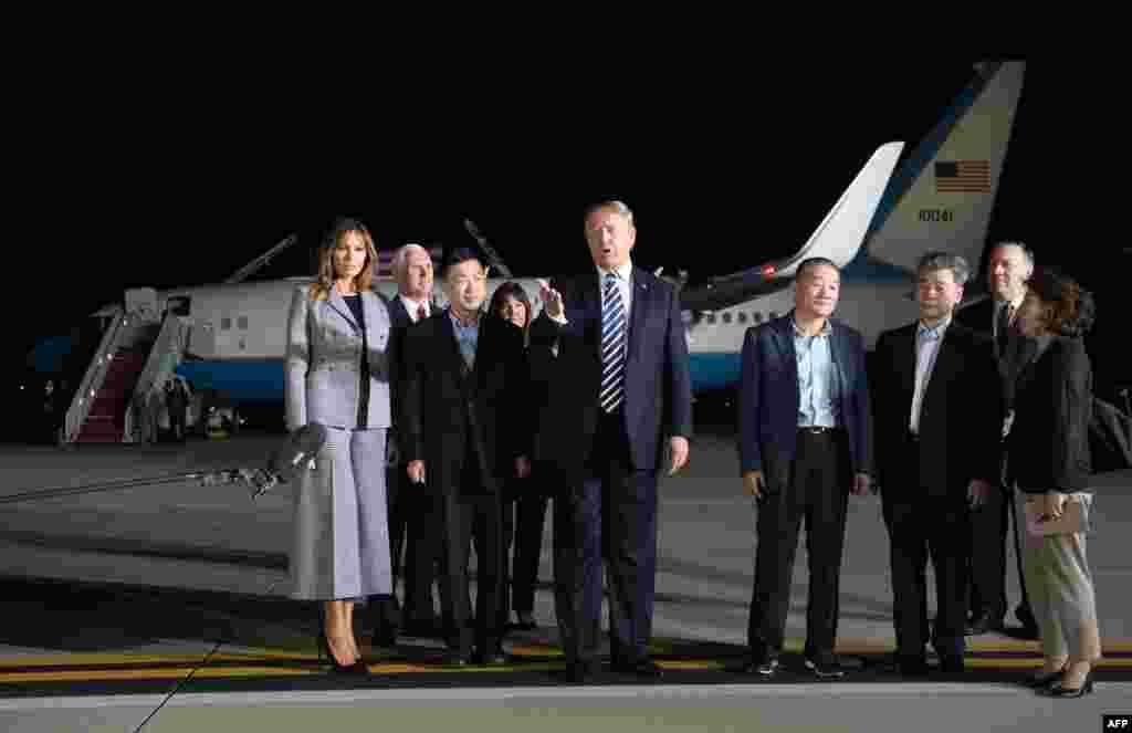 استقبال پرزیدنت ترامپ وبانوی اول از سه آمریکایی آزاد شده از کره شمالی. این پیام روشنی از پیونگ یانگ در آستانه دیدار رهبران آمریکا و کره شمالی است.