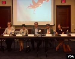 加州大学圣迭戈分校星期一在华盛顿举行的有关中国19大的研讨会。