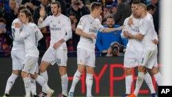 Con este marcador, la distancia entre ambos es de 7 puntos, a falta de siete jornadas para que finalice la Liga española.