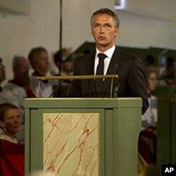 Jens Stoltenberg dans la Cathedrale d'Oslo le 24 juillet 2011