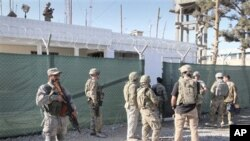 25 فروری کو کابل میں وزارت داخلہ کی عمارت میں دو امریکی افسروں کو ہلاک کر دیا گیا تھا۔