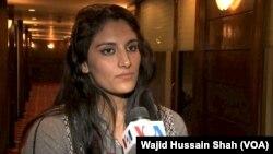 پاکستانی خاتون تیراک کرن خان