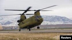 بھارت اپنی فضائی افواج کے لیے امریکہ سے 15 چینوک ہیلی کاپٹر خریدنے کا بھی خواہاں ہے