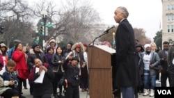 Civil rights activist Rev. Al Sharpton addresses supporters of affirmative action outside the U.S. Supreme Court in Washington, D.C., Dec. 9, 2015. ( A. Scott/VOA)