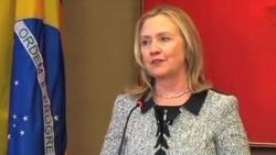 """克林顿: 显示核谈诚意""""责任""""在伊朗"""