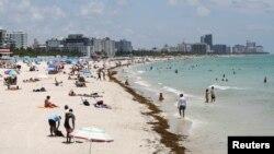 Plaža Saut bič u Majamiju, 10. jun 2020. (Foto: Reuters/Marco Bello)