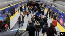 نمایی از یکی از ایستگاه های مترو در نیویورک