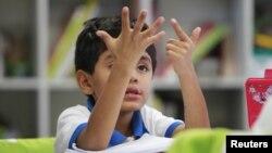 """El informe de Unicef y Unesco resalta que """"la escolarización total, oportuna, sostenida y plena"""" es tanto un derecho de los menores y un deber que deben asumir todos los sectores."""