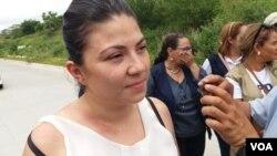 María Oviedo fue declarada culpable del supuesto delito deobstrucción de funciones en perjuicio del teniente de la policía Óscar López, el pasado jueves 29 de agosto de 2019. Foto: Daliana Ocaña.