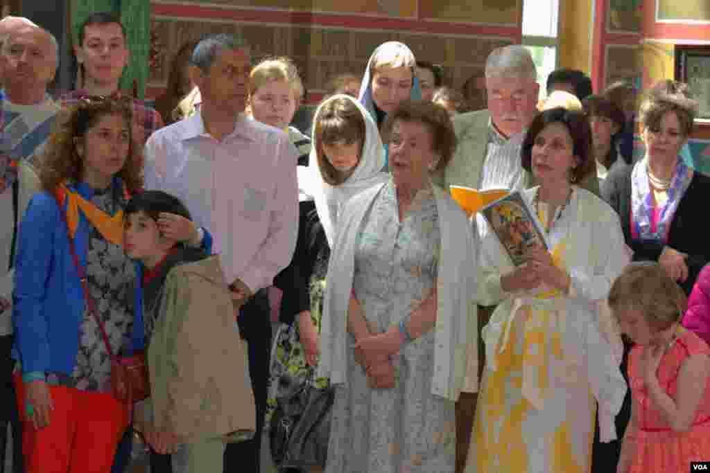 Служба в Пасхальное воскресенье в Свято-Николаевском соборе (Американская православная церковь)