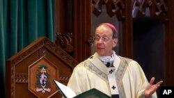 Arzobispo de la diócesis católica de Wheeling-Charleston, en West Virginia, William Lori, publicó nombres de sacerdotes acusados de abuso sexual, como uno de los pasos para restaurar la confianza entre los feligreses y la comunidad.
