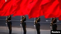 中国人民解放军仪仗队在天安门广场欢迎外国首脑