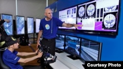 Phòng thí nghiệm của Intel đang tìm cách giảm thiểu các mối đe dọa của việc bị phân tâm khi lái xe