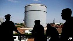 نیروهای امنیتی در تاسیسات نفت سودان