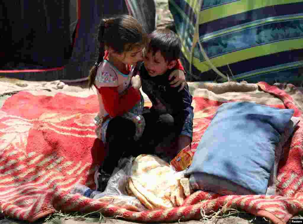 دفتر هماهنگی امور کمکهای بشری ملل متحد (اوچا) میگوید که جنگ و ناامنی در سراسر افغانستان حدود ۳۹۰هزار نفر را مجبور به ترک خانههای شان کرده است.