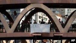 香港学生市民连续第二天上街声援占中