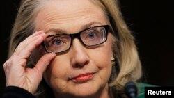 Ngoại trưởng Mỹ Hillary Rodham Clinton điều trần trước Ủy ban Ðối ngoại Thượng viện về vụ tấn công ở Benghazi, Libya, ngày 23/1/2013.