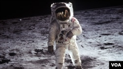 A pesar de la evidencia fotográfica, algunos insisten en que el viaje a la Luna nunca ocurrió.