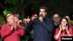 El presidente de Venezuela Nicolás Maduro habla durante una reunión con miembros de su gobierno luego que el Consejo Nacional Electoral anunciara los resultados de las elecciones de gobernador en el país. Caracas, octubre 15, 2017.