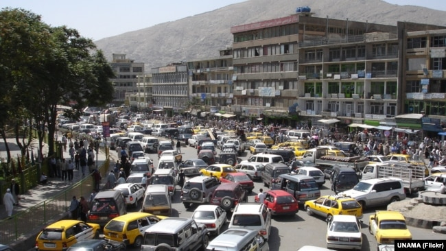 افغان حکومت وايي له ضروريادارو پرته به په کابل کې ټولې ادارې درې اونۍ رخصت وي