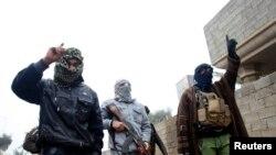 Felluce kentini ele geçiren el-Kaide bağlantılı militanlar