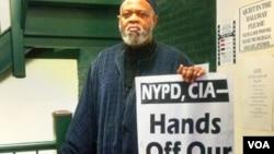 New York'tan sorumlu İslam Liderliği Konseyi Başkanı El Hacı Talip Abdülraşit, uzun süredir New York Emniyeti'nin Müslümanlar'ı izlemek için özel kurulan biriminin kapatılması için mücadele veriyordu