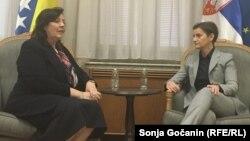 ARHIVA: Ambasadorka BiH u Srbiji Aida Smajić sa premijerkom Srbije Anom Brnabić, novembar 2019. (Foto: RSE/Sonja Gočanin)