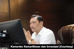 """Koordinator PPKM Darurat Luhut Binsar Pandjaitan memberi ultimatum hingga hari Rabu (7/7) pada para """"pemain obat"""" untuk tidak mempermainkan harga atau menghadapi sanksi hukum. (Courtesy: Kemenko Kemaritiman dan Investasi)"""