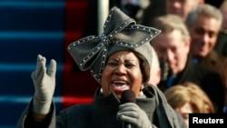 Aretha Franklin ki t ap chante nan Washington nan seremoni prestasyon sèman Prezidan Barack Obama ki t ap monte sou pouvwa a pou premye manda li nan dat 20 janvye 2009.