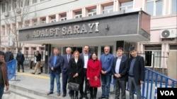 HDP Eş Başkan Adayı Sırrı Sakık Muş'ta seçim sonuçlarına itiraz ediyor.