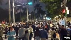 民眾參與蔡英文在台北舉行的競選造勢晚會。 (美國之音記者 任敬揚 台北 拍攝)