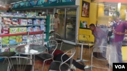 Kem Ley, an independent political analyst shot death on Sunday, July 09, 2016 at a gas station in Phnom Penh. ( Leng Len/VAO Khmer)