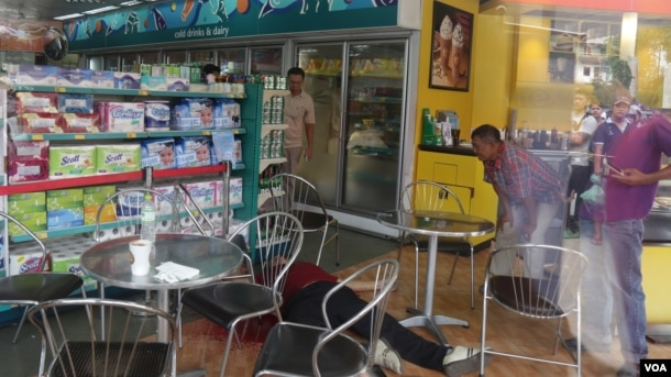 Kem Ley, an independent political analyst shot death on Sunday, July 09, 2016 at a gas station in Phnom Penh. ( Leng Len/VAO Khmer)