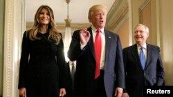 دونالد ترامپ و همسرش ملانیا ترامپ در دیدار از کنگره