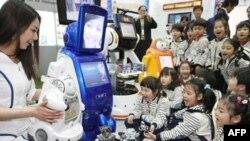 Роботы на смену учителям
