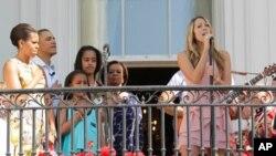 والد اپنے بچوں کو زیادہ وقت دیں: یوم والد پر صدر اوباما کا پیغام