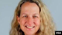 Lise Olsen, Houston Chronicle qəzetinin müxbiri